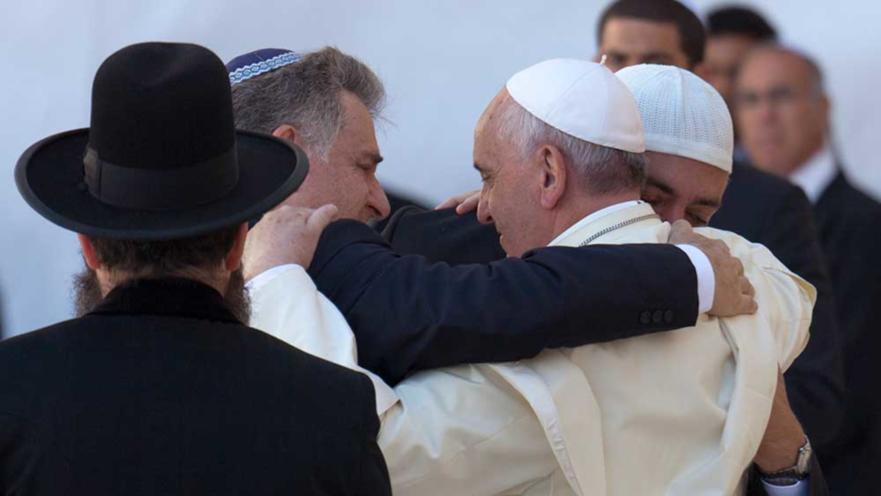 Rabbi Abraham Skorka, Pope Francis, and Omar Abboud at the Western Wall, Jerusalem, 2014.